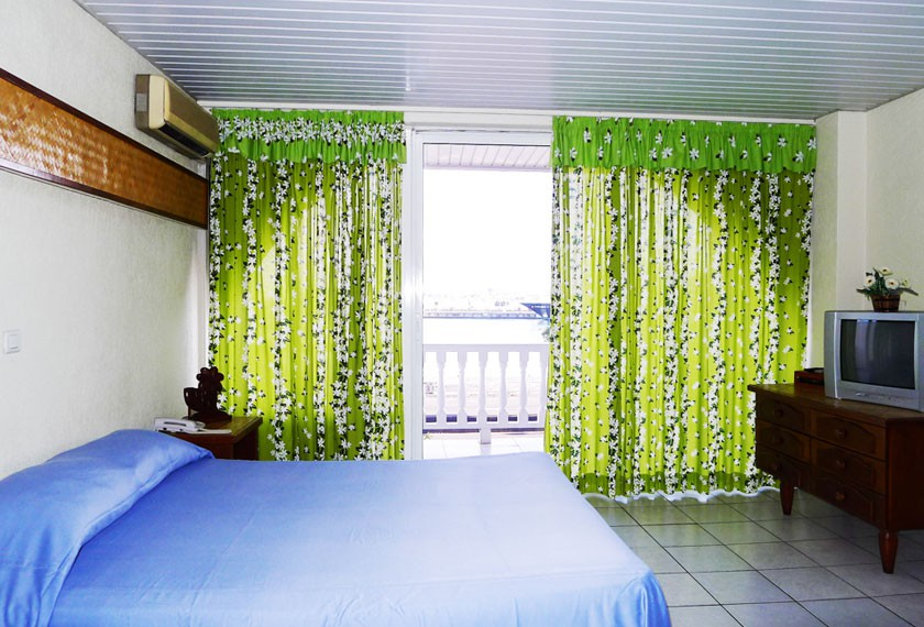 Bedroom of the hotel Tiare Tahiti