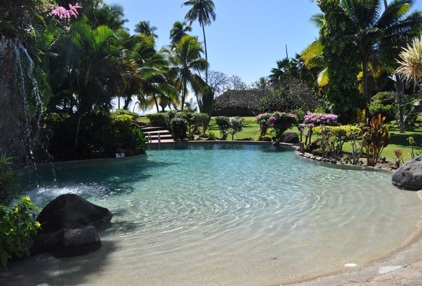 Swimming pool of the Royal Tahitien Hotel