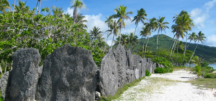 4x4 tour on Huahine island